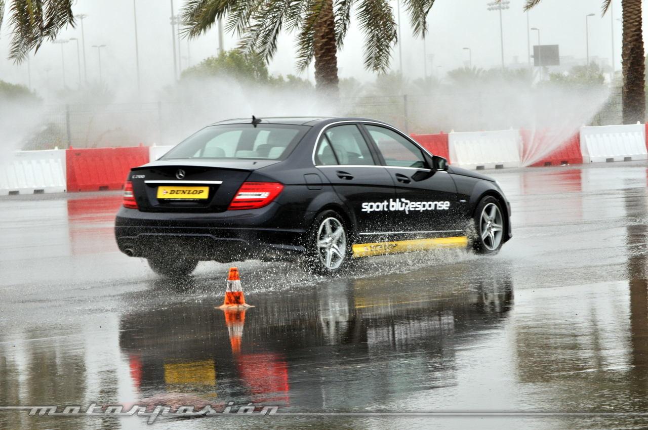 Foto de Dunlop Sport BluResponse, presentación y prueba en Yas Marina (13/24)