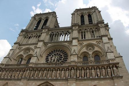 Notre Dame cumple 850 años y los luce renovada