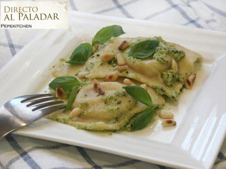 Receta de raviolis de queso y nueces con pesto de calabacines