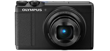 Olympus XZ-10 - negra - vista delantera