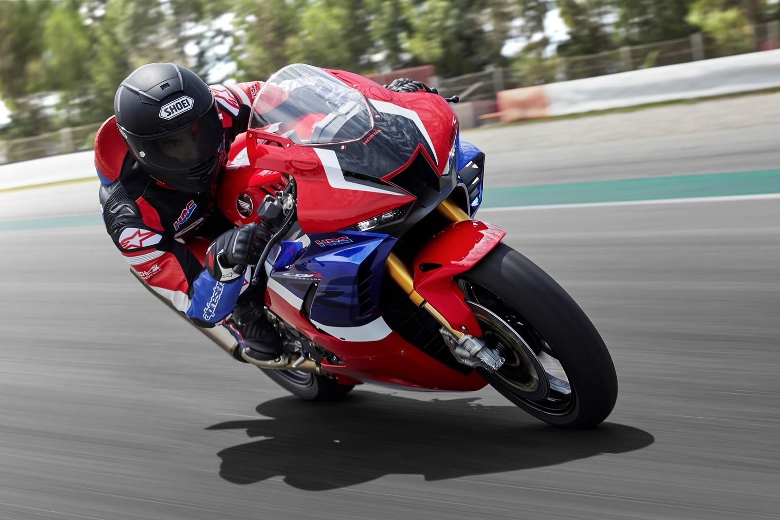 Foto de Honda CBR1000RR-R SP Fireblade 2020 (33/35)