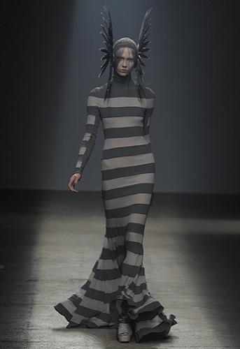 Gareth Pugh, Primavera-Verano 2010 en la Semana de la Moda de París IV