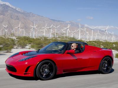 El Tesla Roadster regresará con una segunda generación, tardará pero lo hará