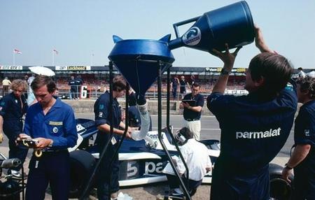 El combustible en  la Fórmula 1; el  cianuro en el consomé