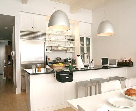 Tendencias en cocinas y encimeras acero y cristal - Alicatar cocina detras muebles ...