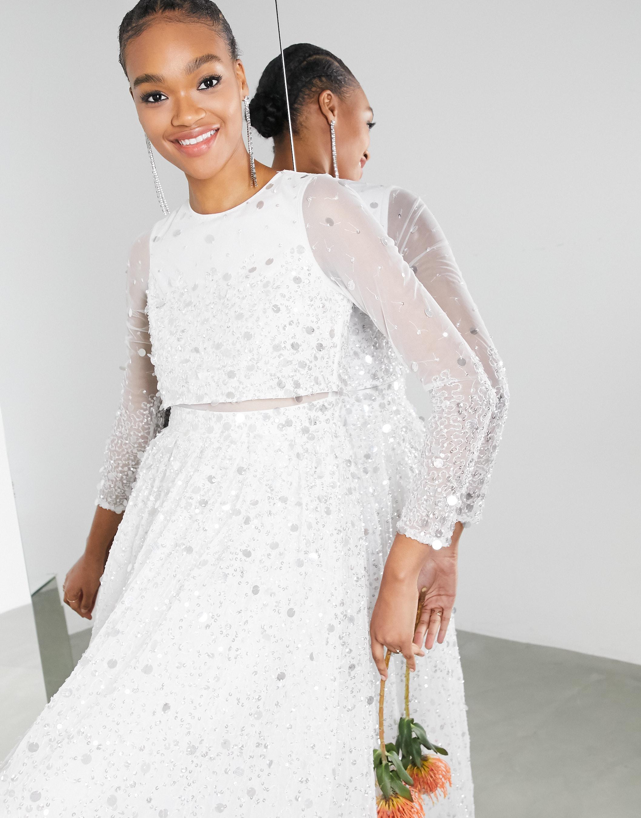 Vestido de novia con top corto de lentejuelas