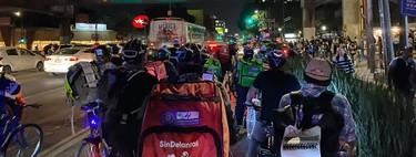 Vacaciones, jubilación y horario flexible: lo que repartidores de Uber Eats, Rappi y SinDelantal piden al ser empleados en México