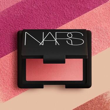 El colorete Orgasm no es el único superventas de NARS: 11 productos de maquillaje de la firma que causan furor