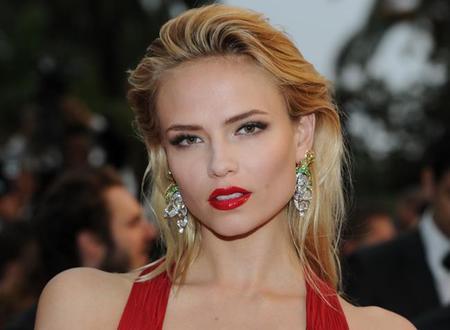 Consigue los labios rojo glossy de Natasha Poly en Cannes 2012
