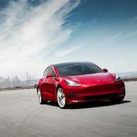 Aumentar la autonomía del Tesla Model 3 a 1.000 km tiene truco: un pequeño motor de combustión para convertirlo en híbrido