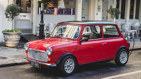 El clásico Mini se puede convertir en un coche eléctrico de 163 CV con este retrofit desde 10.000 euros