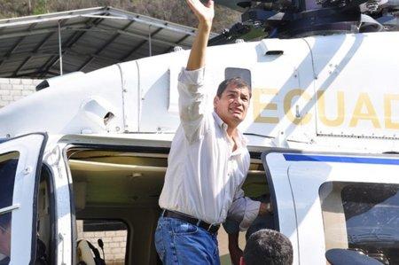 """Rafael Correa dice que tomará una decisión """"soberana y solidaria"""" sobre Assange"""