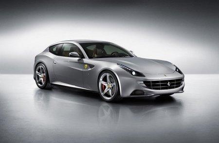 El Ferrari FF se viste con un traje gris