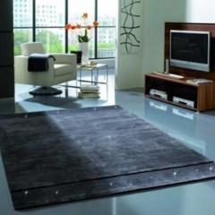 Foto 3 de 4 de la galería alfombras-con-detalles-de-cristales-de-swarovski en Decoesfera