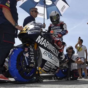Romano Fenati se retira del motociclismo sin opciones y la federación italiana le retira la licencia