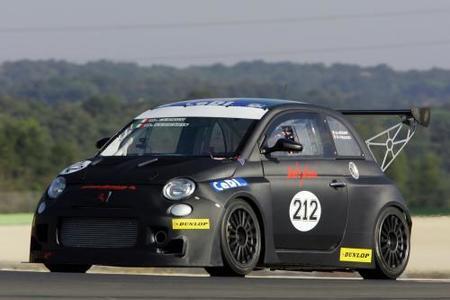 Fiat 500 Abarth con 360 caballos para carreras de resistencia
