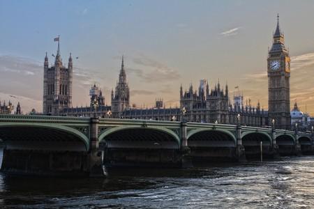 London 530055 1280