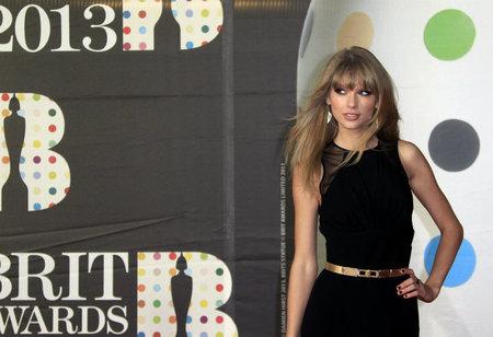 Brit Awards 2013: las celebrities pisan la alfombra roja londinense