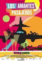 'Los amantes pasajeros', Almodóvar aterriza como puede
