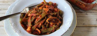 Judías verdes gratinadas con tomate y chorizo, la mejor receta de verdura con salsa de pasta italiana