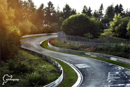 Un veterano cursillista se deja la vida en Nürburgring tras una caída