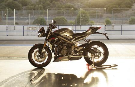 Triumph Vuelve Supersport Campeonato Britanico Superbikes 2021 2