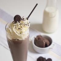Milkshake de chocolate con galletas Oreo. Receta