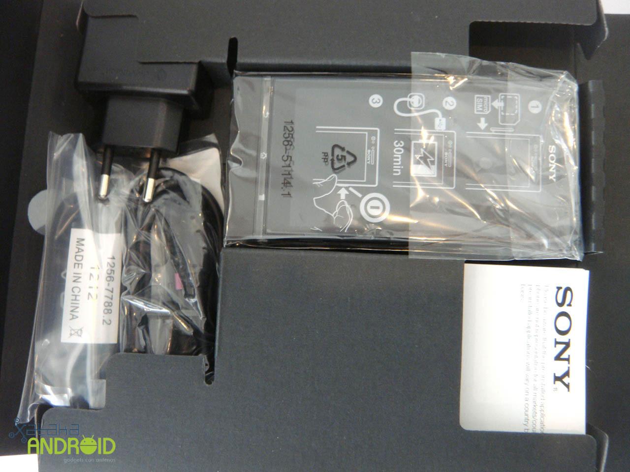 Foto de Unboxing Sony Xperia P (7/14)