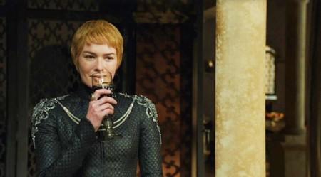 13 gifs de Cersei bebiendo vino que demuestran que se tiró ebria 8 temporadas