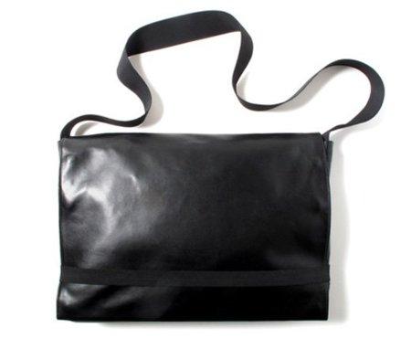 Moleskine lanza una colección de bolsos