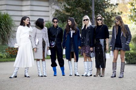 ¿Amor u obsesión? Las calles se inundan con las glitter boots de Chanel