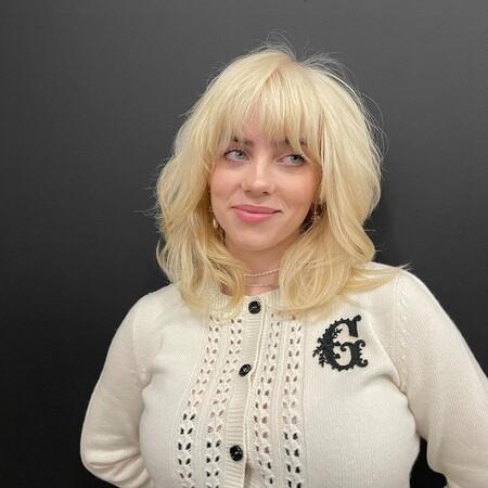 Billie Eilish desvela la verdadera (y sorprendente) razón por la que tiñó su pelo de rubio platino
