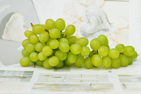 ¿Te han sobrado uvas de Nochevieja? Así puedes aprovecharlas en la cocina (y empezar a comer más ligero y sano)