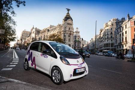 Emov delantera carsharing movilidad