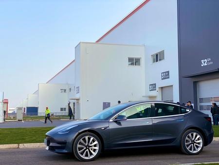 Tesla Model 3 China 01