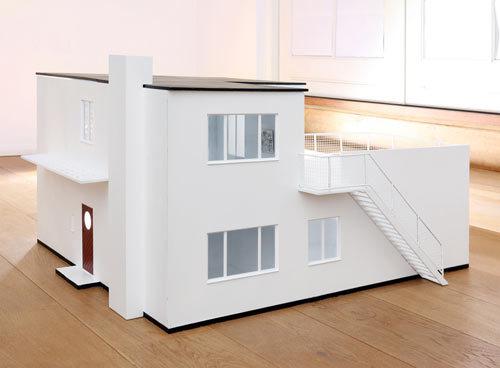 Foto de Una casa de muñecas inspirada en Arne Jacobsen (2/6)