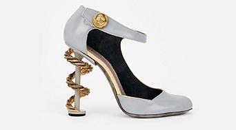 Los tacones arquitectónicos no son la excepción en calzado femenino
