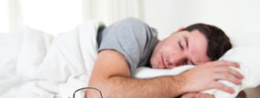 ¿Entrenas duro y no ganas músculo? La causa pueden ser tus horas de sueño