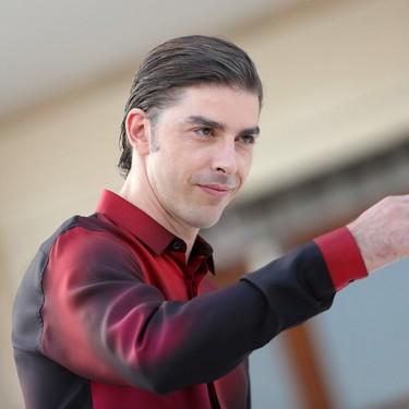 Michele Riondino nos da la bienvenida al Festival de Cine de Venecia en un look de Dior Homme