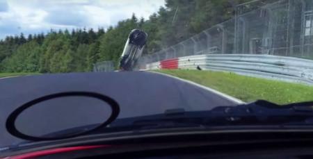 ¿Cuántas vueltas da este Renault Mégane RS en Nürburgring? ¡Vueltas de campana!
