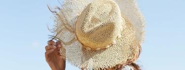 Oysho nos invita a soñar con la playa y las vacaciones grcias a esta colección de bañadores, bikinis y looks tan ideales