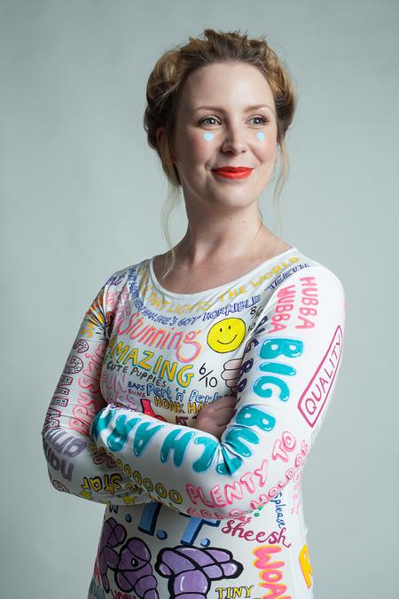 Lucir con orgullo las críticas a nuestro cuerpo, la forma que esta artista ha tenido de fortalecer su autoestima
