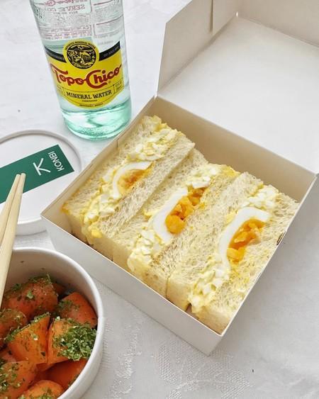 El Konbi de huevo, el katsu sando de chuleta: así se hacen los sandwiches japoneses de moda que ves en Instagram