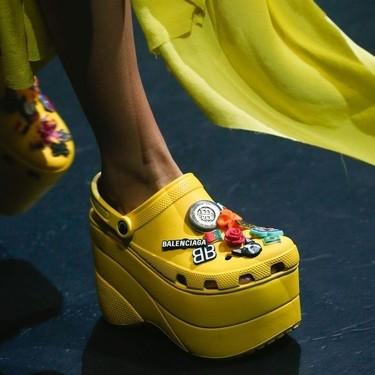 Demna Gvasalia logra lo imposible: los zapatos más feos de Balenciaga se agotan antes de llegar a tienda (y no son las Triple S)