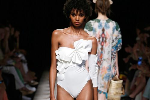Dolores Cortés nos enamora con los bikinis y bañadores más sofisticados que podremos lucir el verano 2020