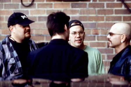 Los hermanos Wachowski dirigiendo Matrix