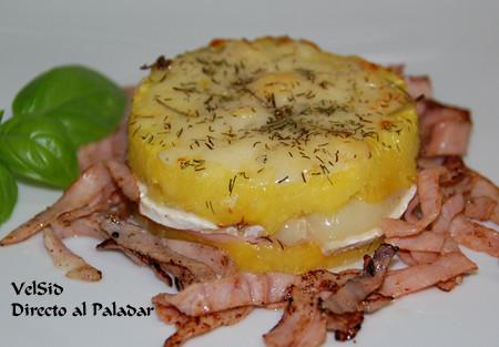 Montadito de piña, jamón y queso