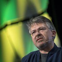 Apple le roba a Google una de sus piezas primordiales: su jefe de inteligencia artificial