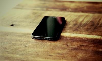 """Y ésta, amigos míos, es la razón de que no exista un """"iPhone barato"""""""