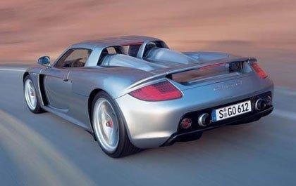 Cazado a 310 km/h con su nuevo Porsche Carrera GT